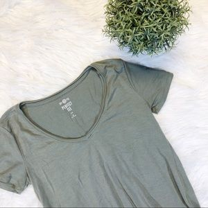 {SO}🌿Perfect Basic Soft Olive Tee